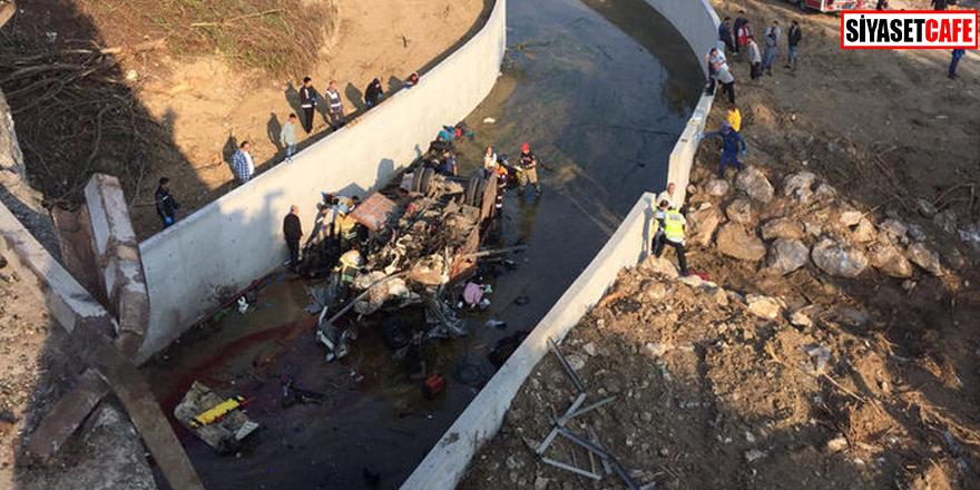 İzmir'de korkunç kaza: 19 ölü