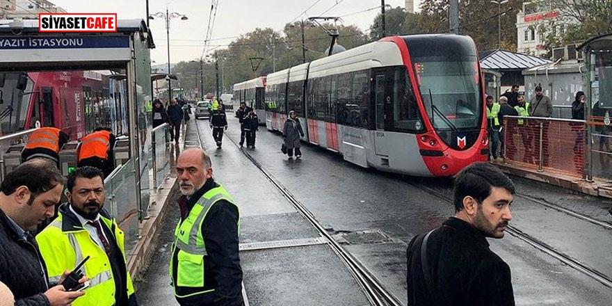 Beyazıt'ta tramvay raydan çıktı! Seferler iptal edildi