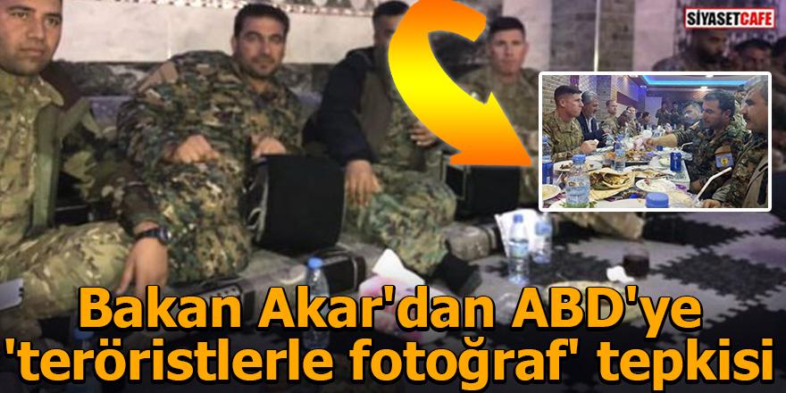 Bakan Akar'dan ABD'ye 'teröristlerle fotoğraf' tepkisi