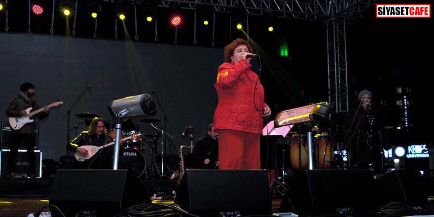 Selda Bağcan'dan Akpınar ve Gezen'e destek