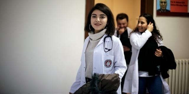 Adana'nın ilk tüp bebeği doğduğu hastanenin doktor adayı
