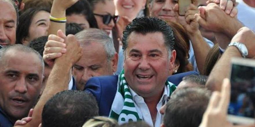 CHP'den aday gösterilmeyen Mehmet Kocadon Demokrat Parti'den aday olacak