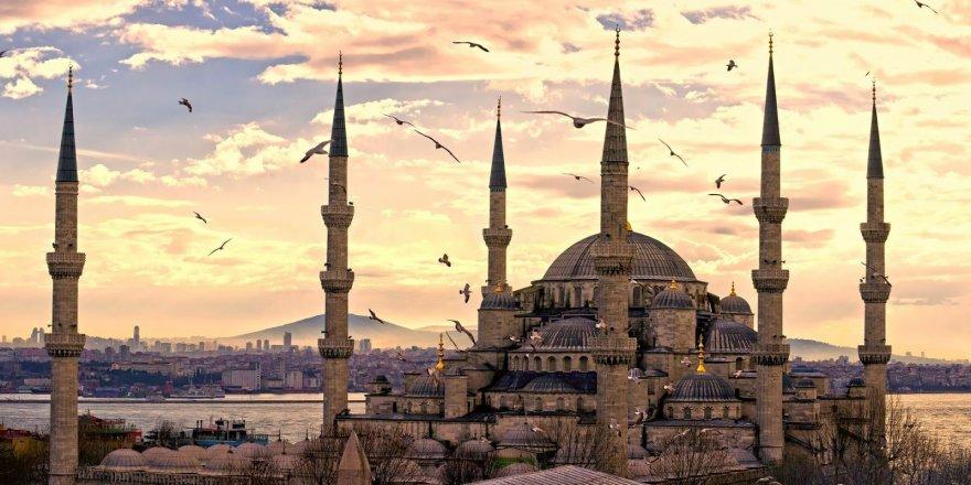Sultanahmet Camii neden 6 minareli?