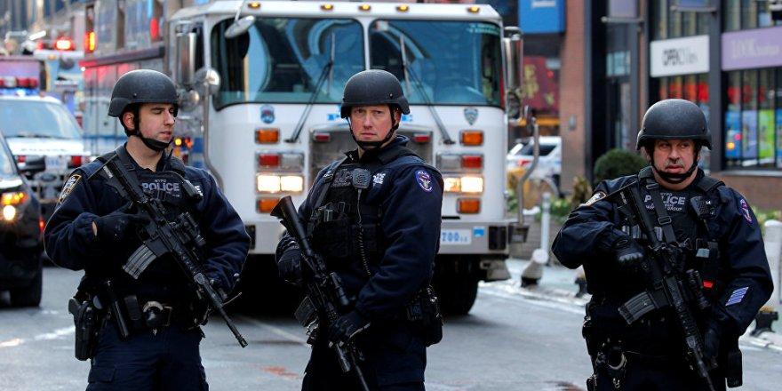 ABD'li altı polis uyuyan gence ateş açtı