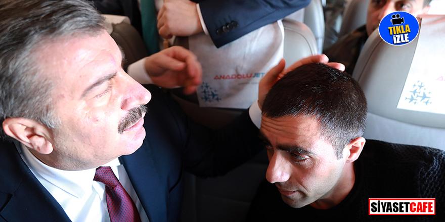 Uçakta rahatsızlanan yolcunun yardımına Fahrettin Koca koştu!