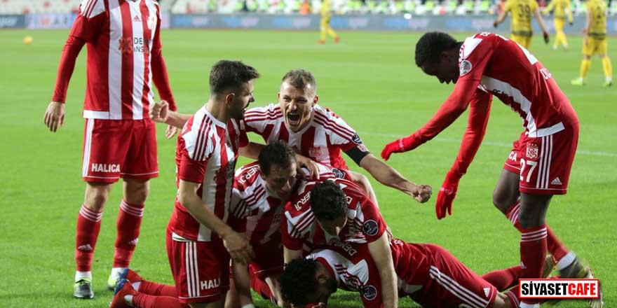 Sivasspor 3 hafta sonra galibiyet yüzü gördü