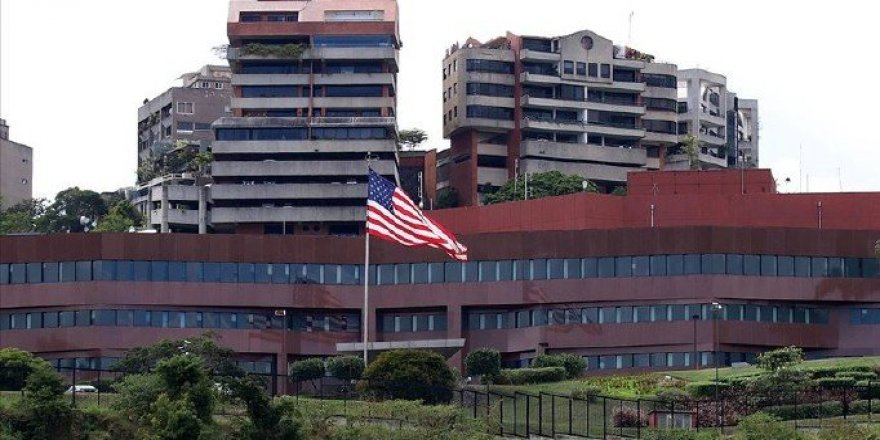 ABD Venezuela'dan tüm diplomatlarını çekiyor