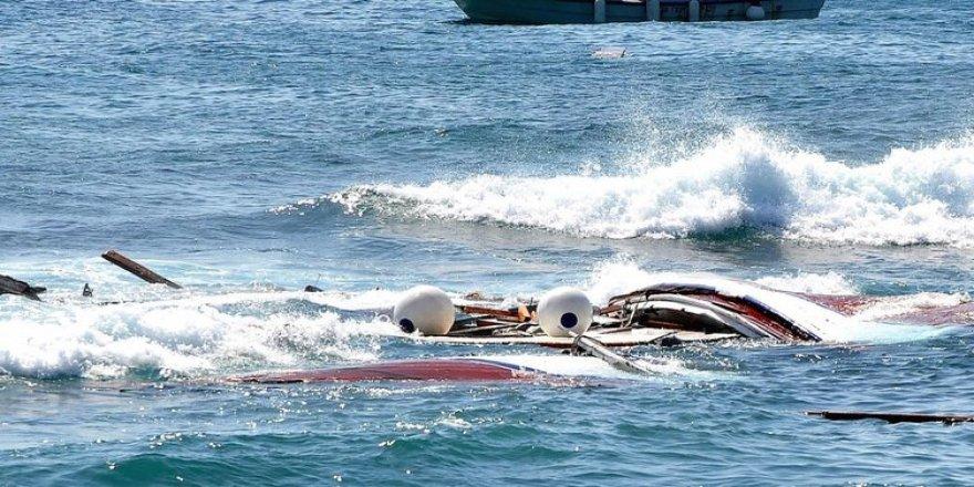Akdeniz'de göçmen botu faciası: 45 ölü