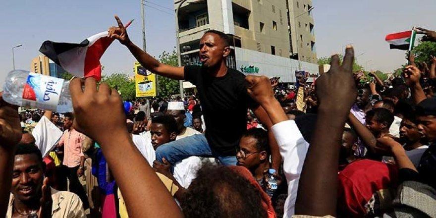 Sudan'da darbe direncinde 13 kişi öldü