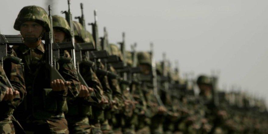 Yeni askerlik sistemi imza aşamasına geldi