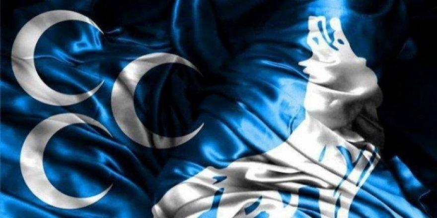 AK Parti'ye sert tepki: Ülkü Ocakları Başkanını çöpçü yaptılar