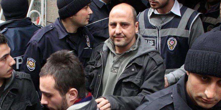 HDP'li Ahmet Şık hakkında iki ayrı fezleke düzenlendi