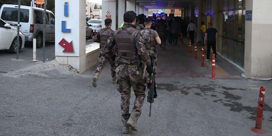 Teröristlerle çatışmada 1 komiser yardımcısı şehit oldu