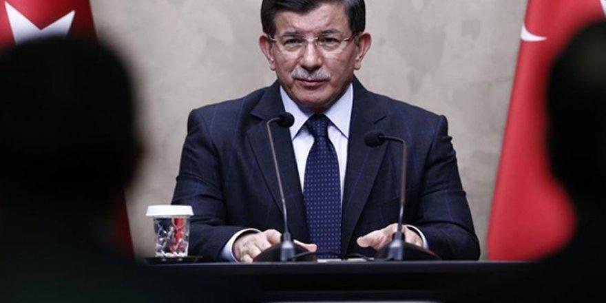 Ahmet Davutoğlu'nun yeni partisine sonbahar dökümü!