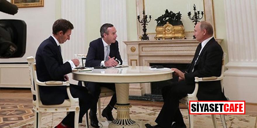 Putin görüşmesine kırmızı çoraplar damga vurdu!