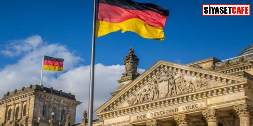 Almanya'da skandal FETÖ broşürü