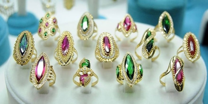 Arap prensesiyim dedi, 1.6 milyonluk mücevher çaldı!