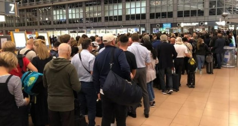 Hamburg Havalimanı'nda panik anları!