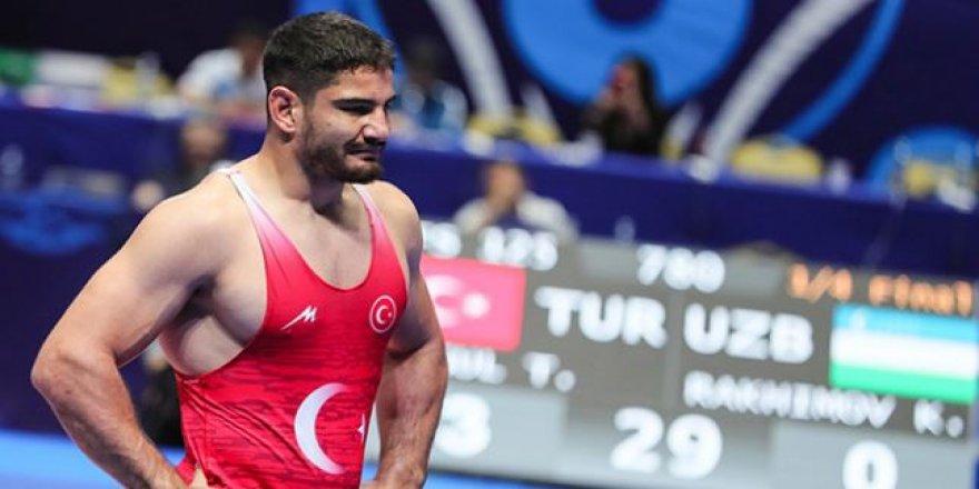 Taha Akgül,Güreşte dünya ikincisi oldu