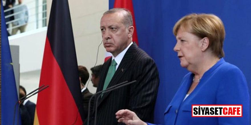 Merkel de geri kalmadı: Derhal geri çekilin