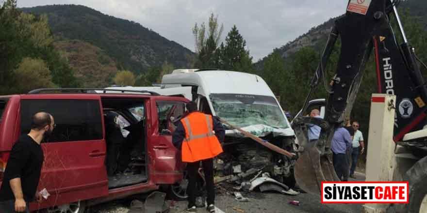Kütahya'da feci kaza. 1 ölü 15 yaralı