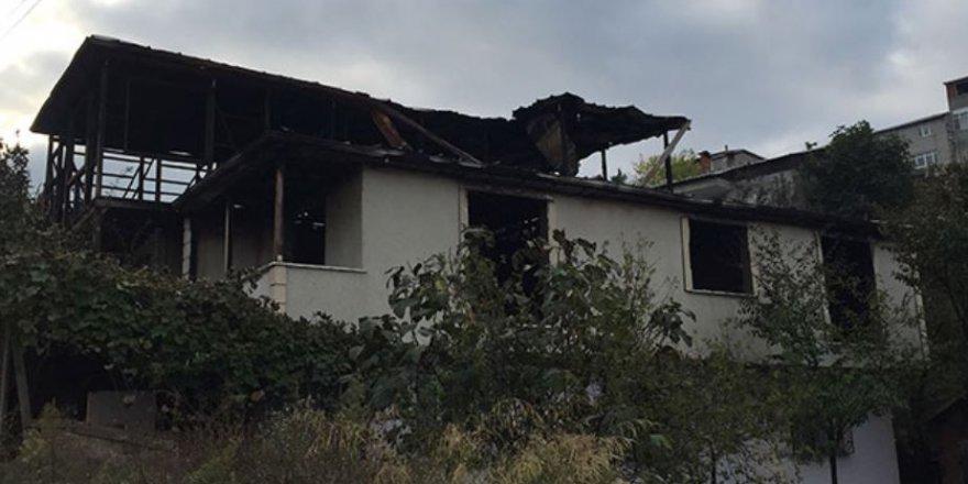 Kocaeli'nde kayınpeder dehşeti: Gelini dövdü, evini yaktı