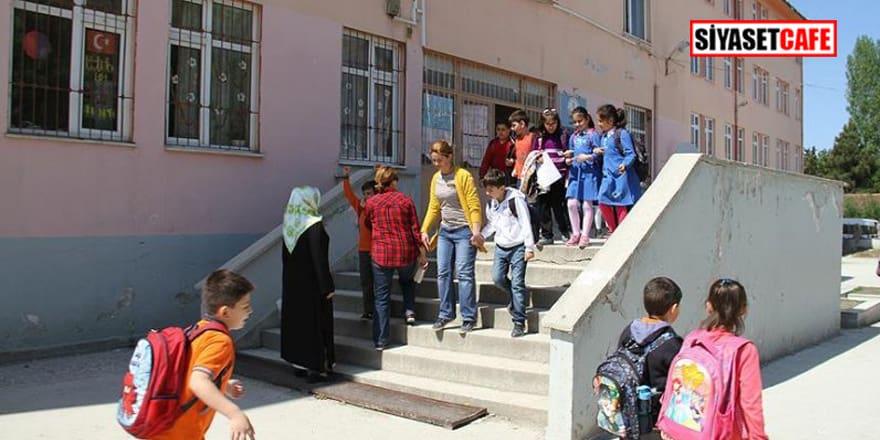 Aksaray'da Türkiye'nin yüzünü karartan olay! Veliler otizimli çocukları yuhaladı