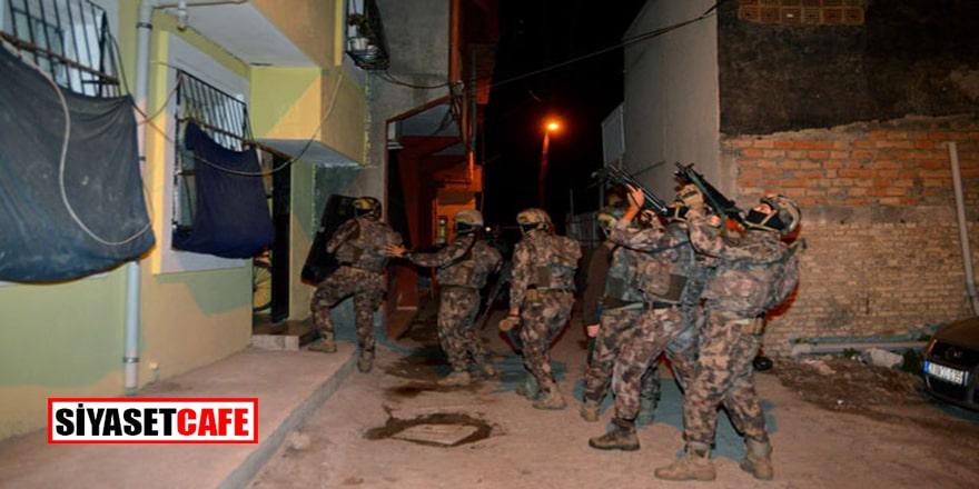 Adana'da geniş çaplı operasyon! İstihbaratçı ve hizmet emirileri gözaltında!