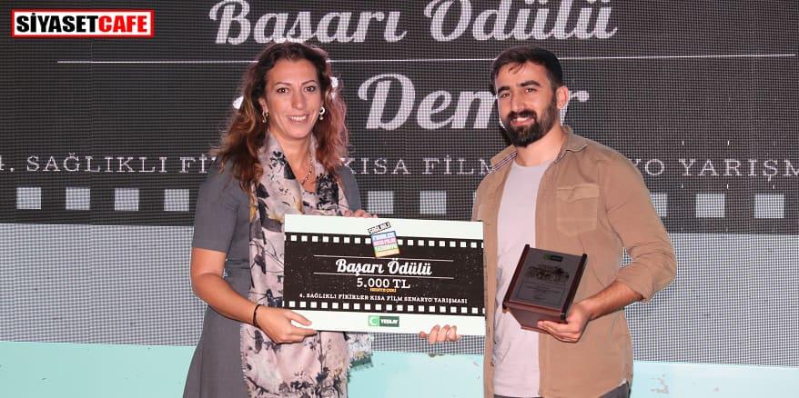 Yeşilay'ın yarışmasında kazananlara ödülleri verildi