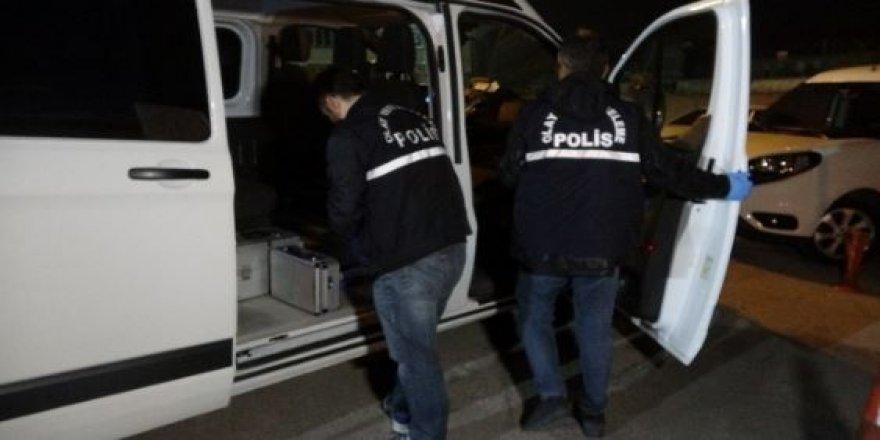 Bursa'da Astsubay nizamiyede kadını kurşunlayarak öldürdü
