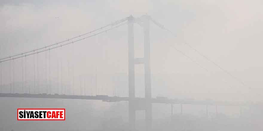 İstanbul sise uyandı! Hayat durdu