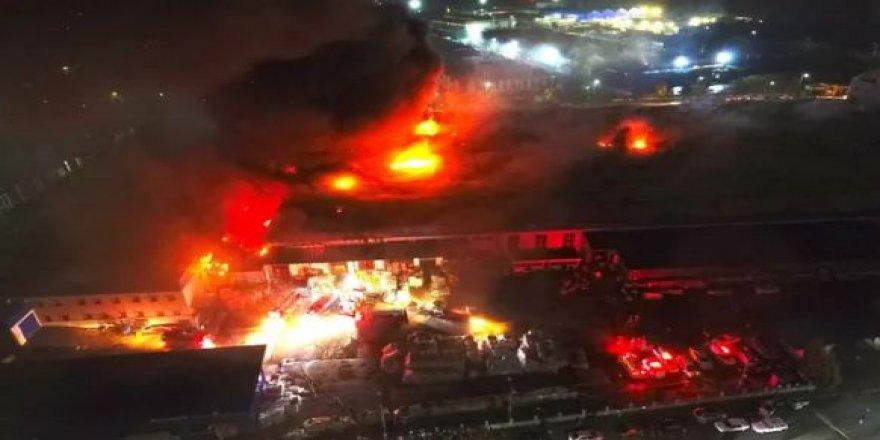 Düzce'de büyük yangın; dev fabrika yanıyor