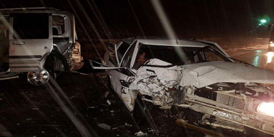 Niğde'de 3 araç bir birine girdi: 9 yaralı