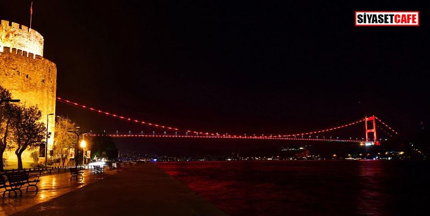 Köprüler kırmızıya büründü