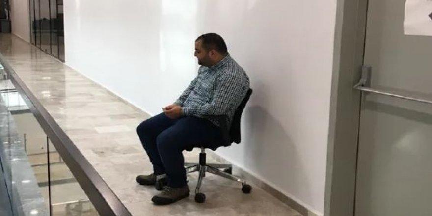 İşçiye ayağa kalkma cezası veren AK Parti'li Başkan Yardımcısı istifa etti