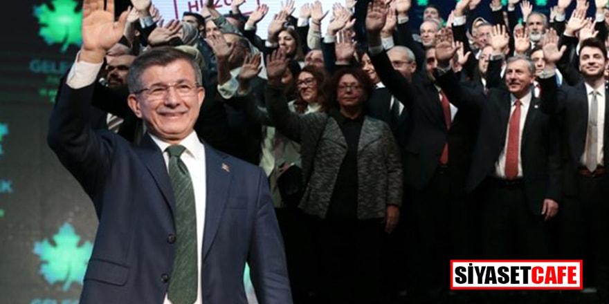 Davutoğlu'nun partisine katılan belediye başkanından bomba iddia!