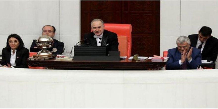 Meclis'te bir ilk yaşandı: AK Parti'den CHP'ye tebrik ve teşekkür