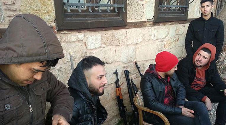 Antalya'da korku yaratan silahlı grup bakın kim çıktı?