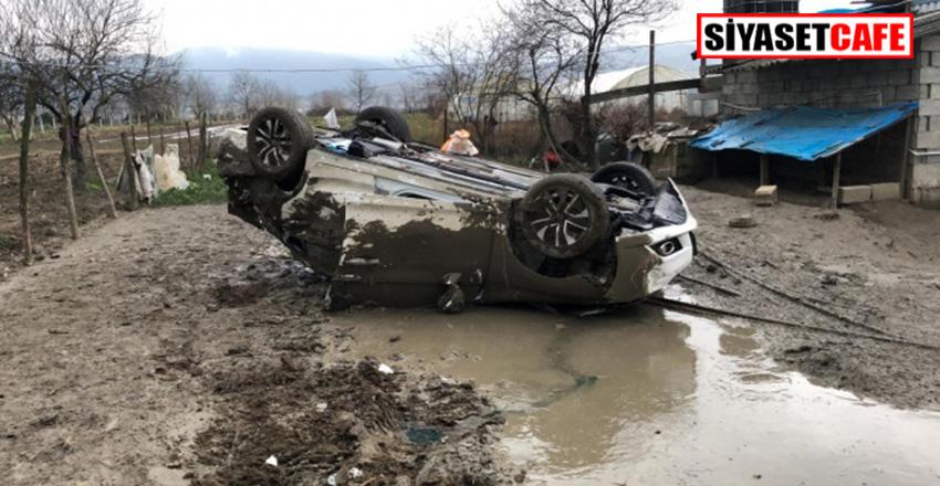 Zonguldak'da feci kaza:Şarampole uçan araçtan bebekleriyle sağ çıktılar