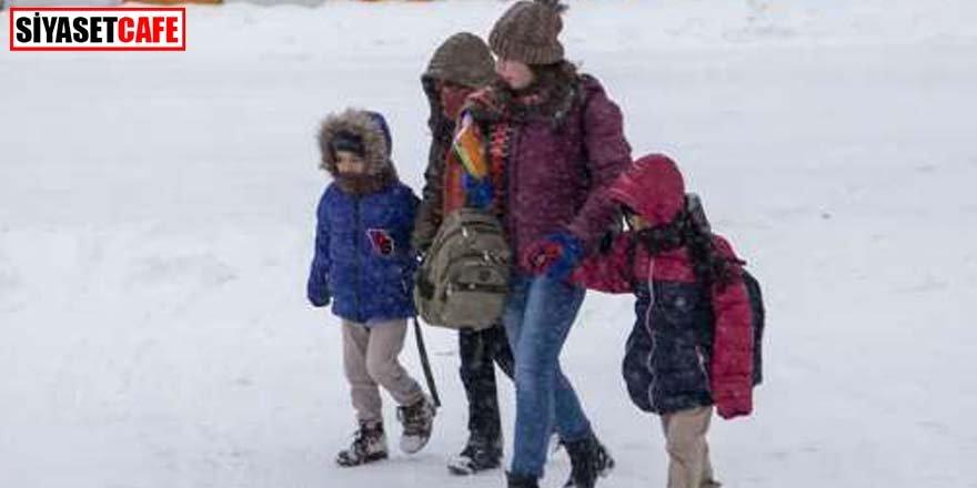 Türkiye kar esaretinde! 35 ilde eğitime kar tatili