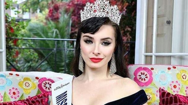Güzellik kraliçesinin çıplak fotoğrafları sızdırıldı