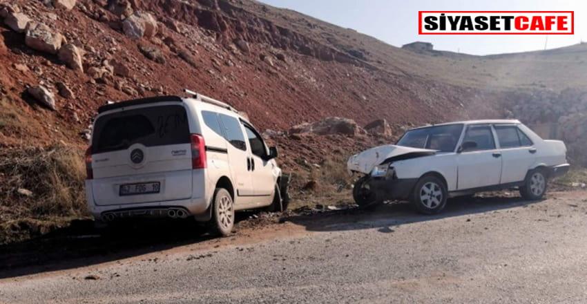 Siirt'te feci kaza:İki araç kafa kafaya çarpıştı