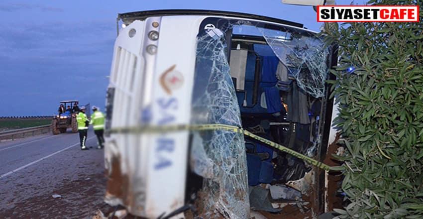 Adanada feci kaza:İşçileri taşıyan midibüs devrildi!