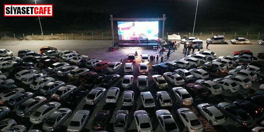 Arabalı sinema etkinliğine büyük ilgi