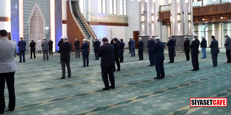 İstanbul'da Cuma namazı kılınacak camiler belirlendi
