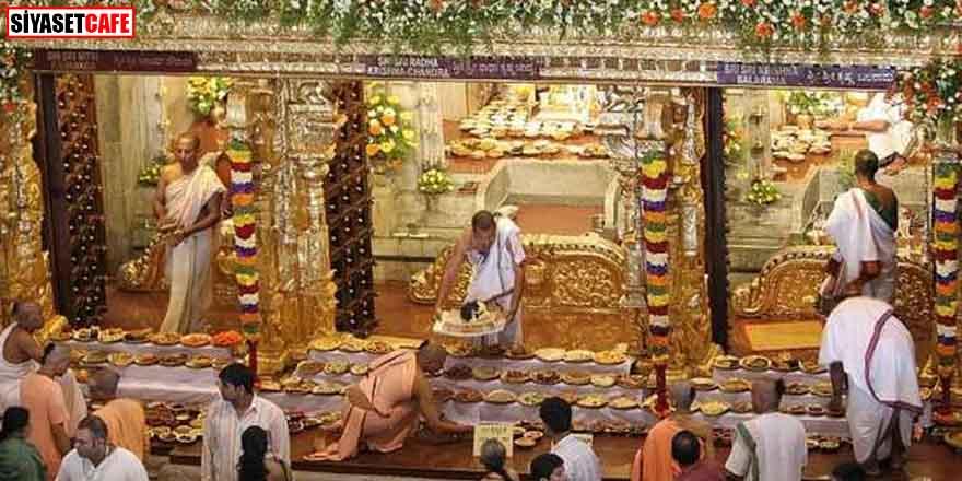 Korkunç olay! Hindu rahip müridinin başını kesti!