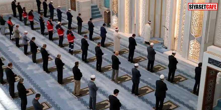 İstanbul Müftüsü açıkladı? Ne zaman cemaatle 5 vakit namaz kılınacak?