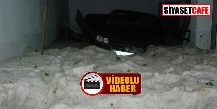 Tokat'ta yağan dolu bir garajı ağzına kadar doldurdu