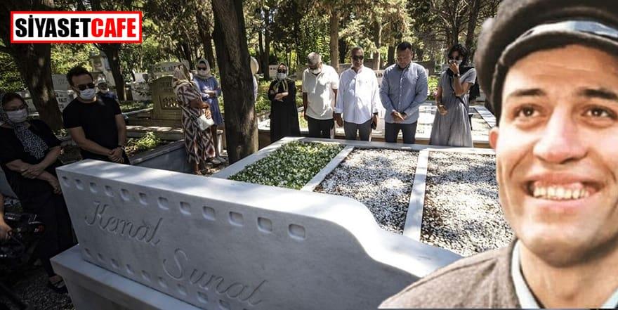 Türkiye'nin gülen adamı mezarı başında anıldı