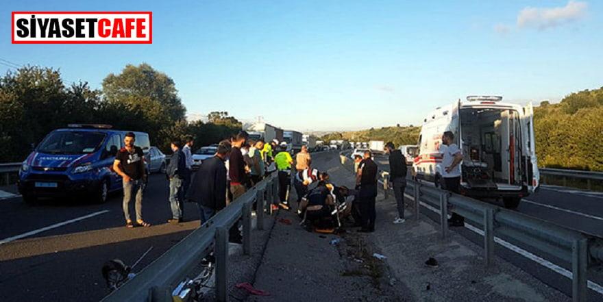 TIR'a çarpmamak için manevra yapan 3 motosikletli kaza yaptı